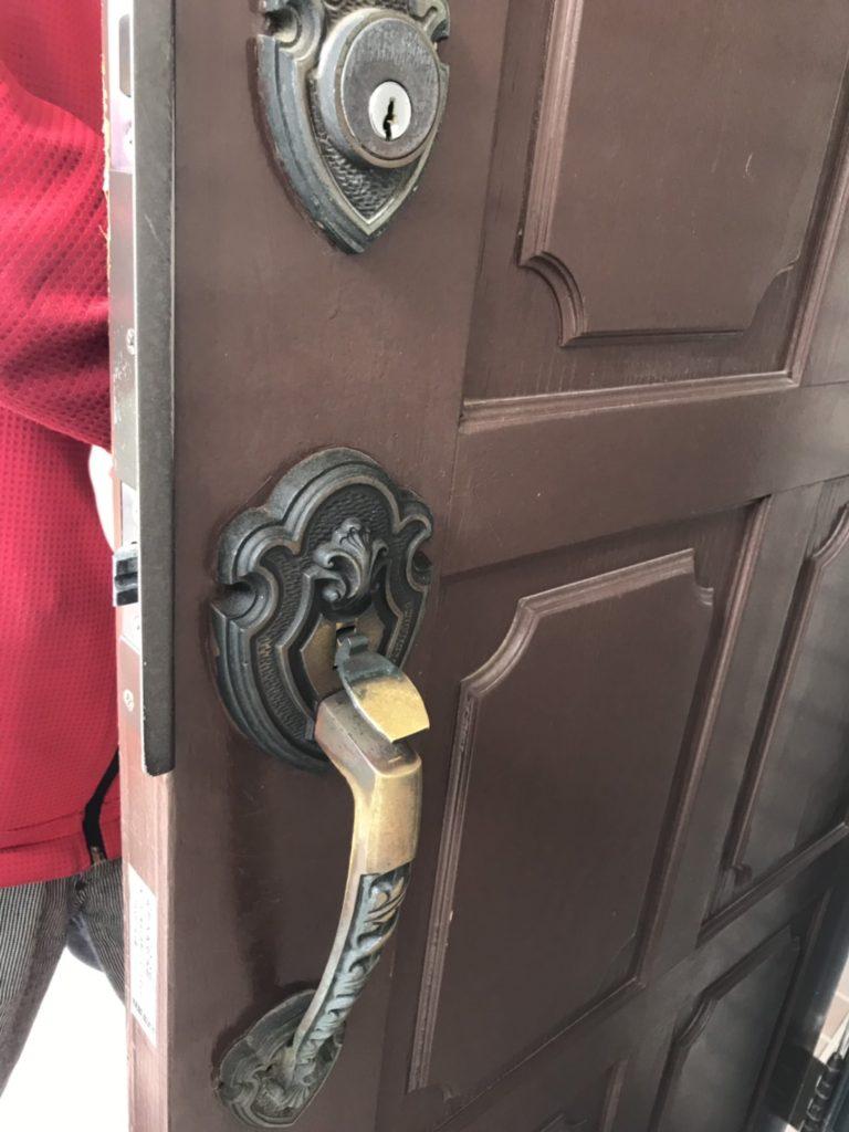 宇都宮市で玄関の鍵診断中